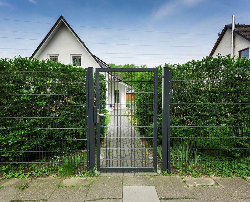 Projekt 07: Doppelstabmatten 656 als Gartenzaun