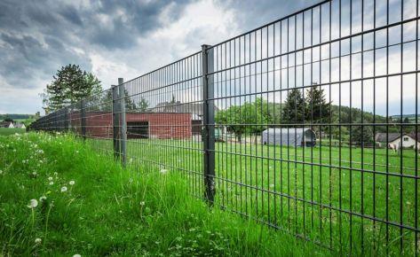 Projekt 18: Anthrazit-Doppelstabmatten in Landwirtschaft