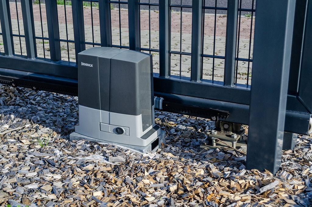 Torautomatik für die Doppelstabmatten-Tore